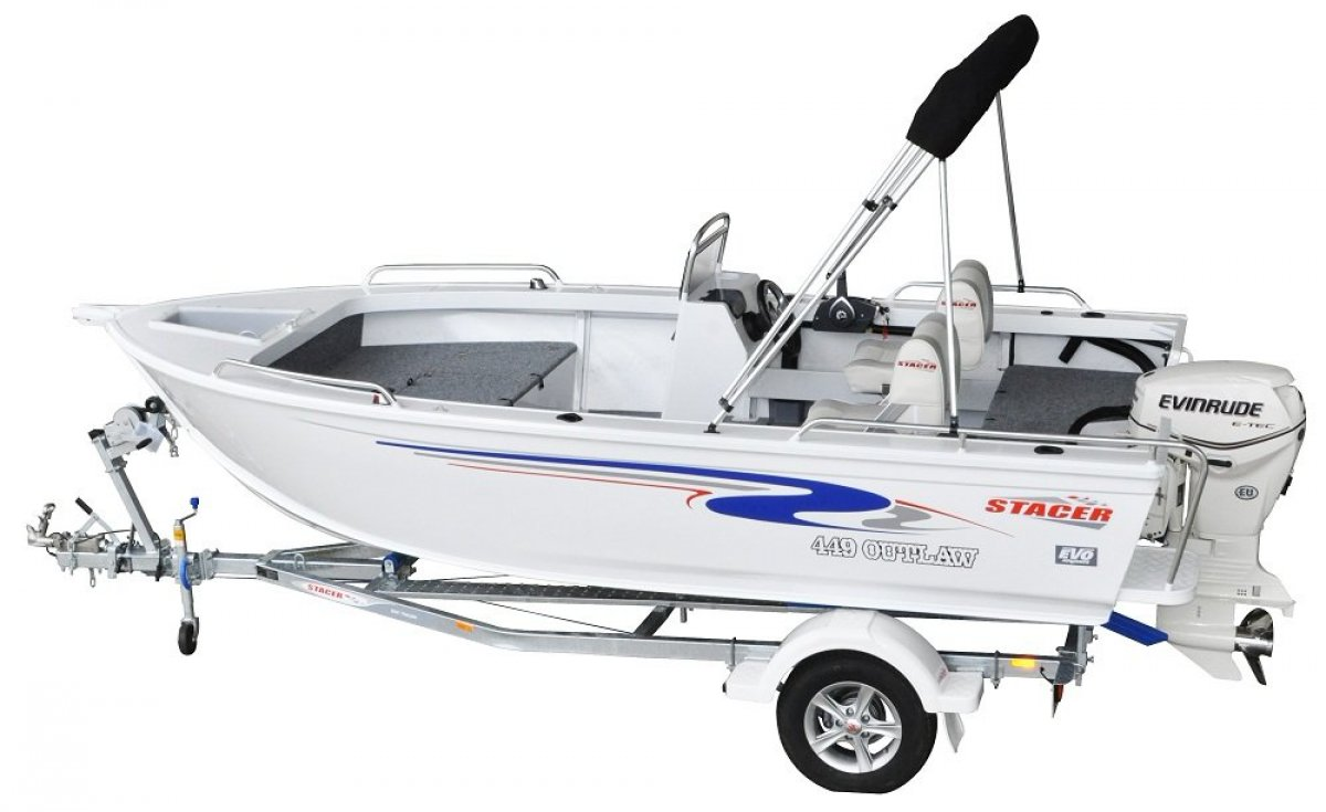 Stacer 449 Outlaw Side Console + Yamaha 40hp Four Stroke Outboard Motor