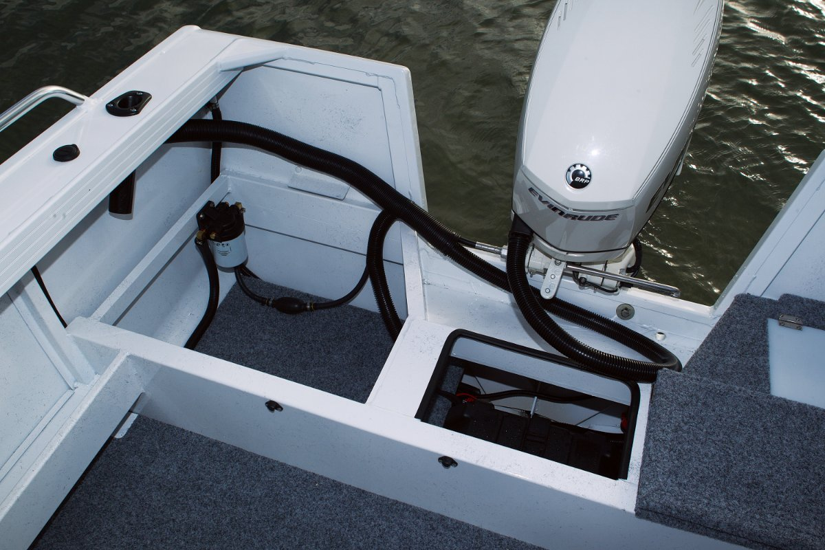 Stacer 489 Outlaw Side Console + Yamaha F60 60hp Four Stroke Outboard Motor
