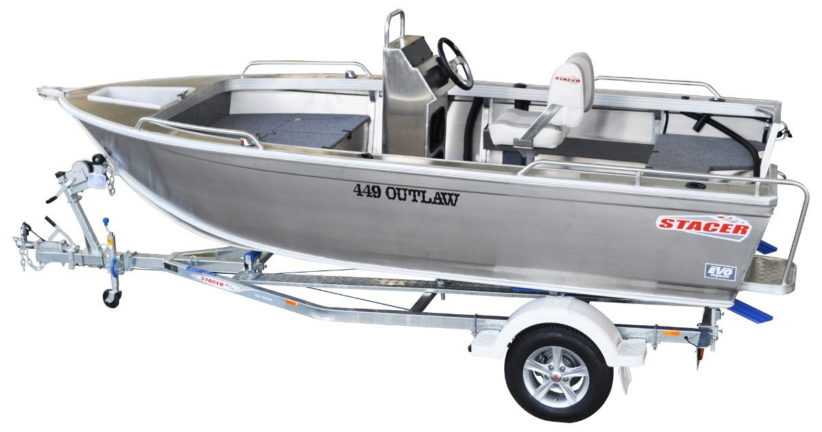 Stacer 449 Outlaw Centre Console Yamaha 30hp 4-Stroke Outboard Motor