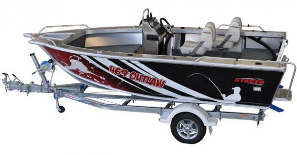 Stacer 469 Outlaw Centre Console + Yamaha 40hp Four Stroke Outboard Motor