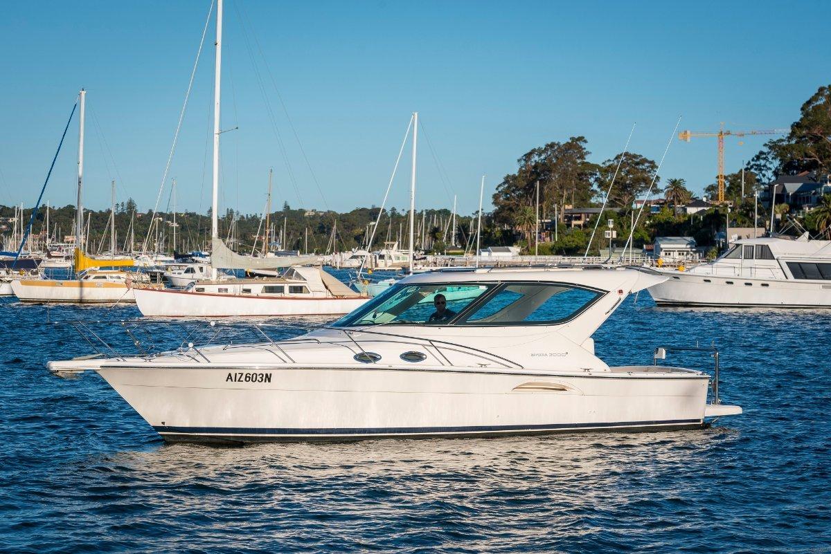Riviera 3000 Offshore Hard Top