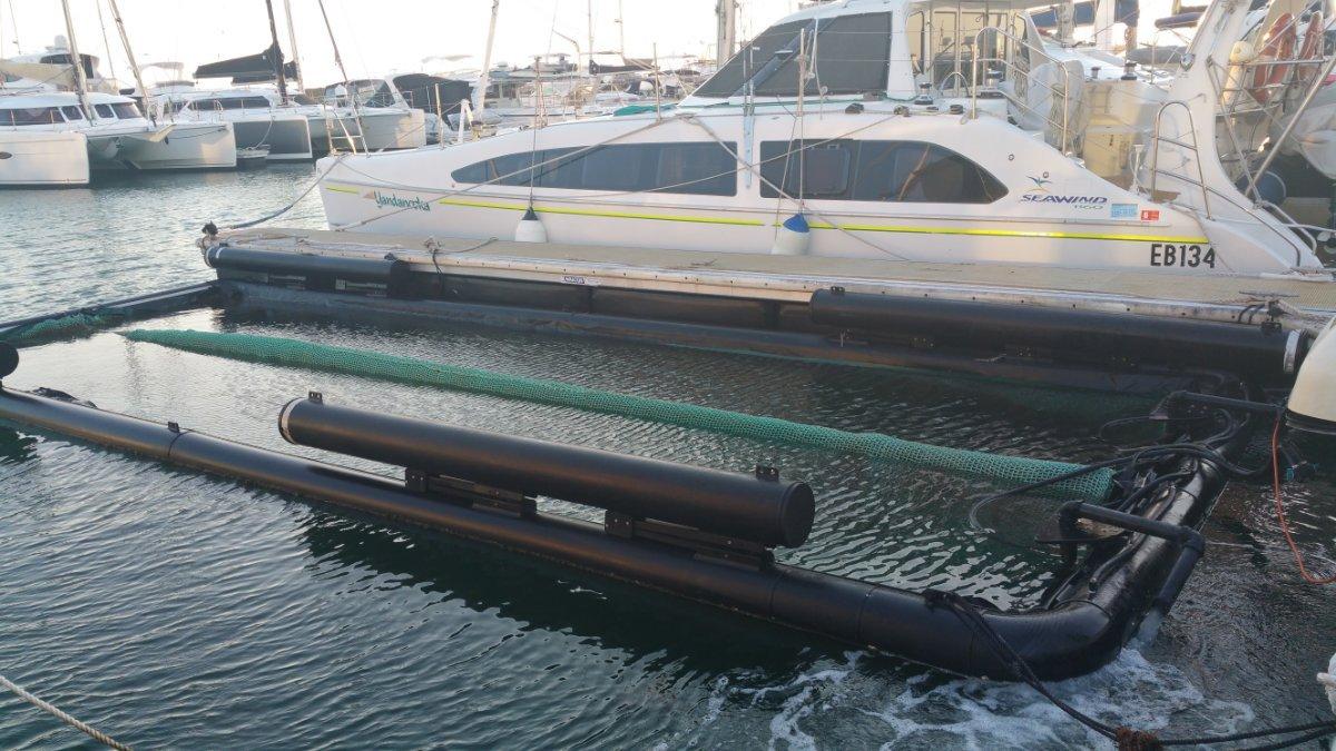 Seapen Dockpro catarmaran dock