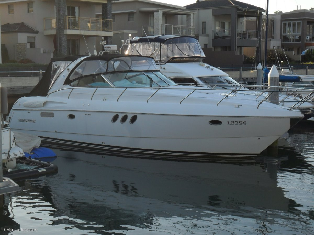 Sunrunner 4800 Boat Brokers of Tasmania