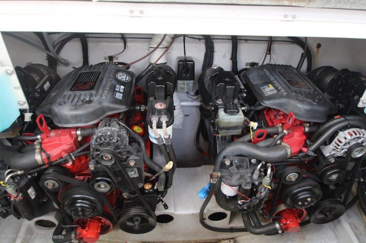 Mustang 3200 Sportscruiser One owner