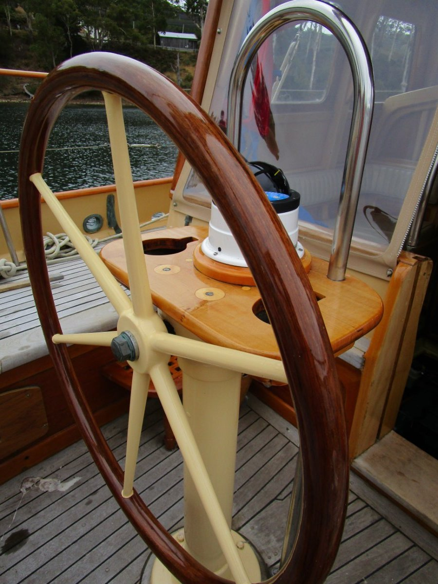 Timber Yacht SUPERBLY BUILT & MAINTAINED