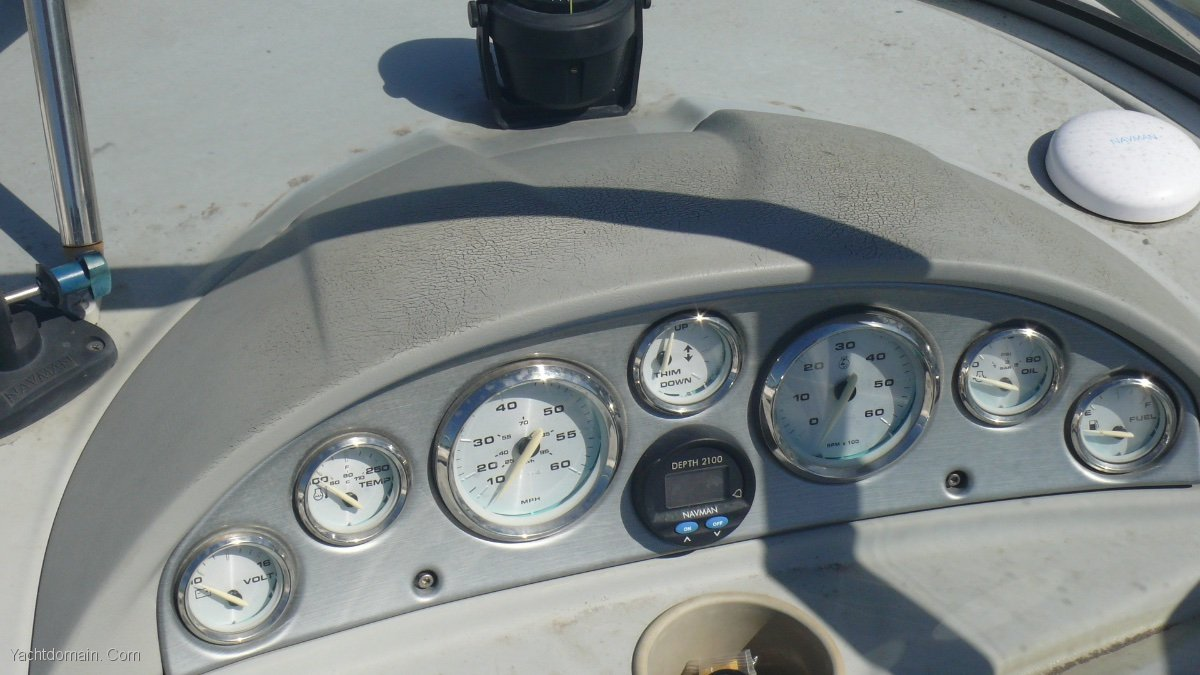 Bayliner Cuddy 212
