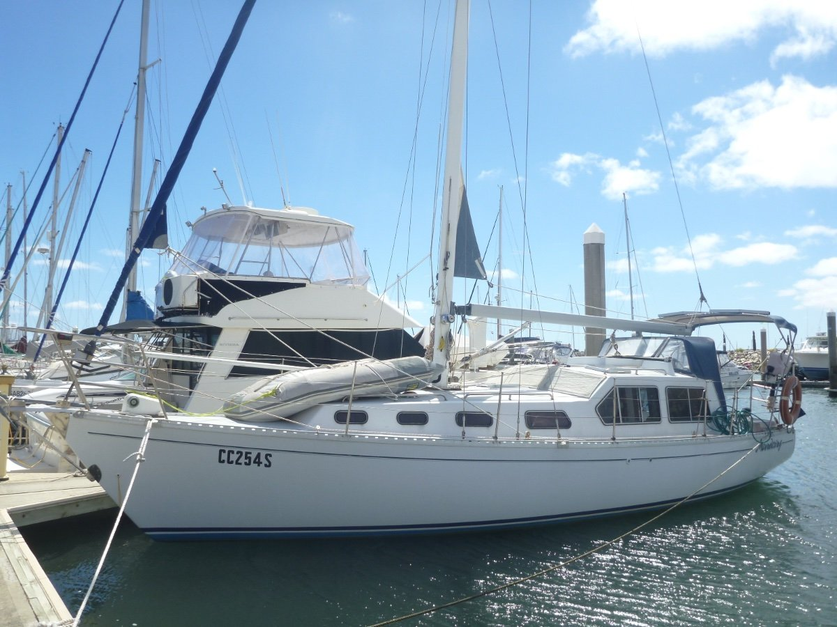 Challenger 36 Pilot House Yacht