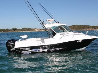 Haines Hunter 700 Enclosed