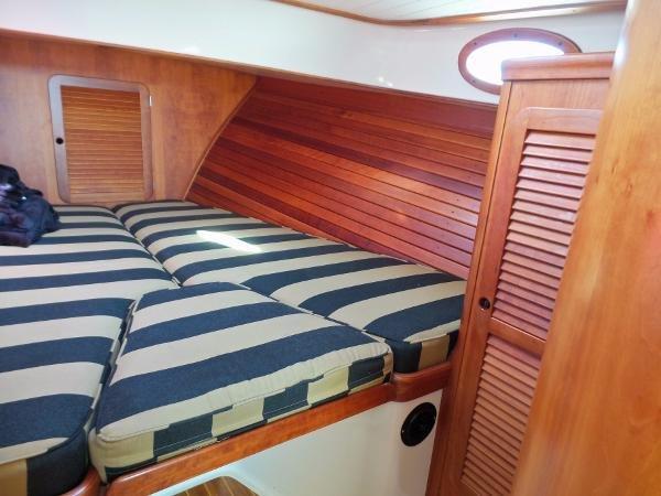 Hinckley Picnic Boat Classic