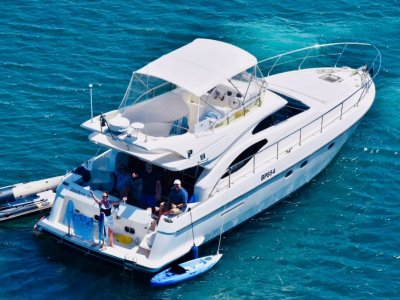 Ferretti 430 Flybridge cruiser, stand out from the crowd!