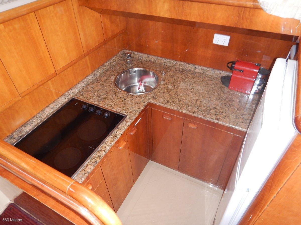 Ferretti 430 Flybridge Cruiser (suit Riviera, Carribean buyers)