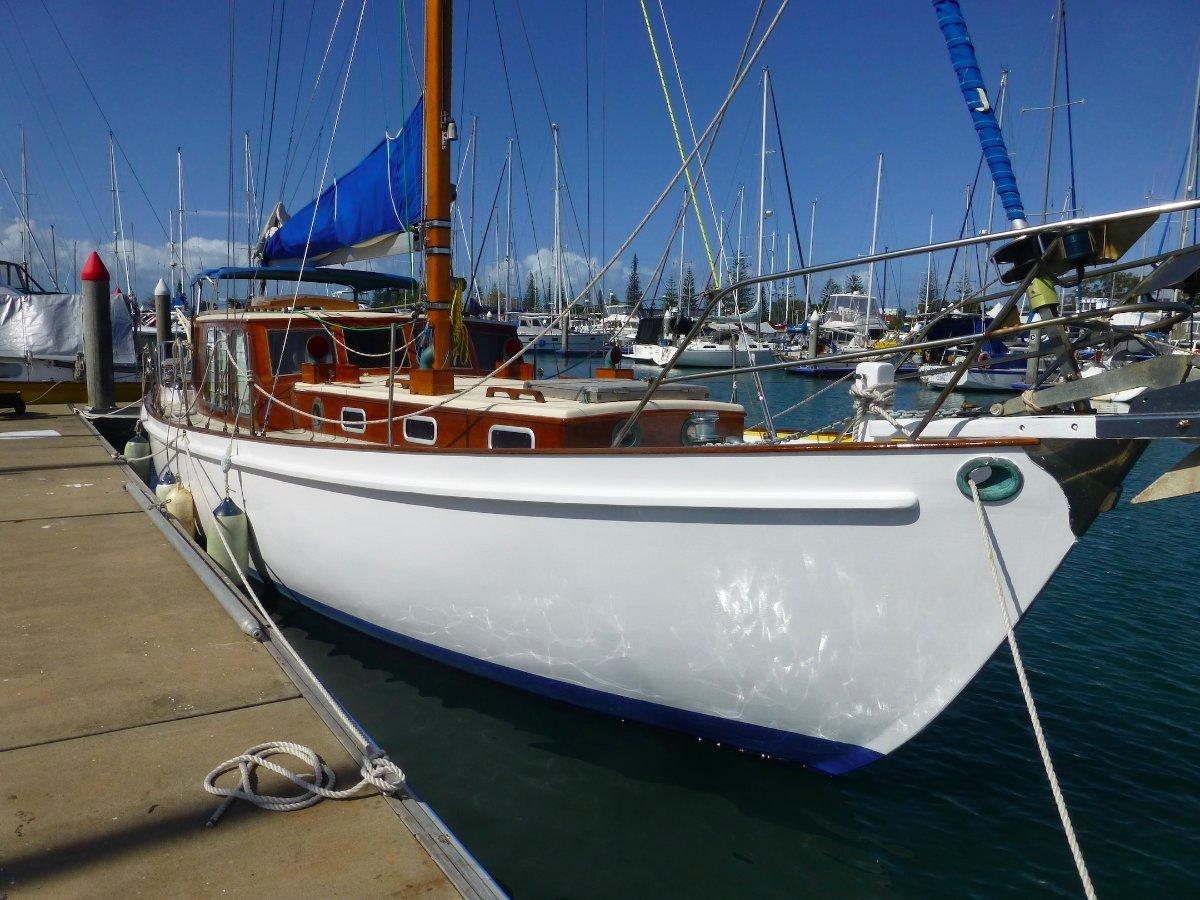Montgomery Gentlemans Yacht Custom