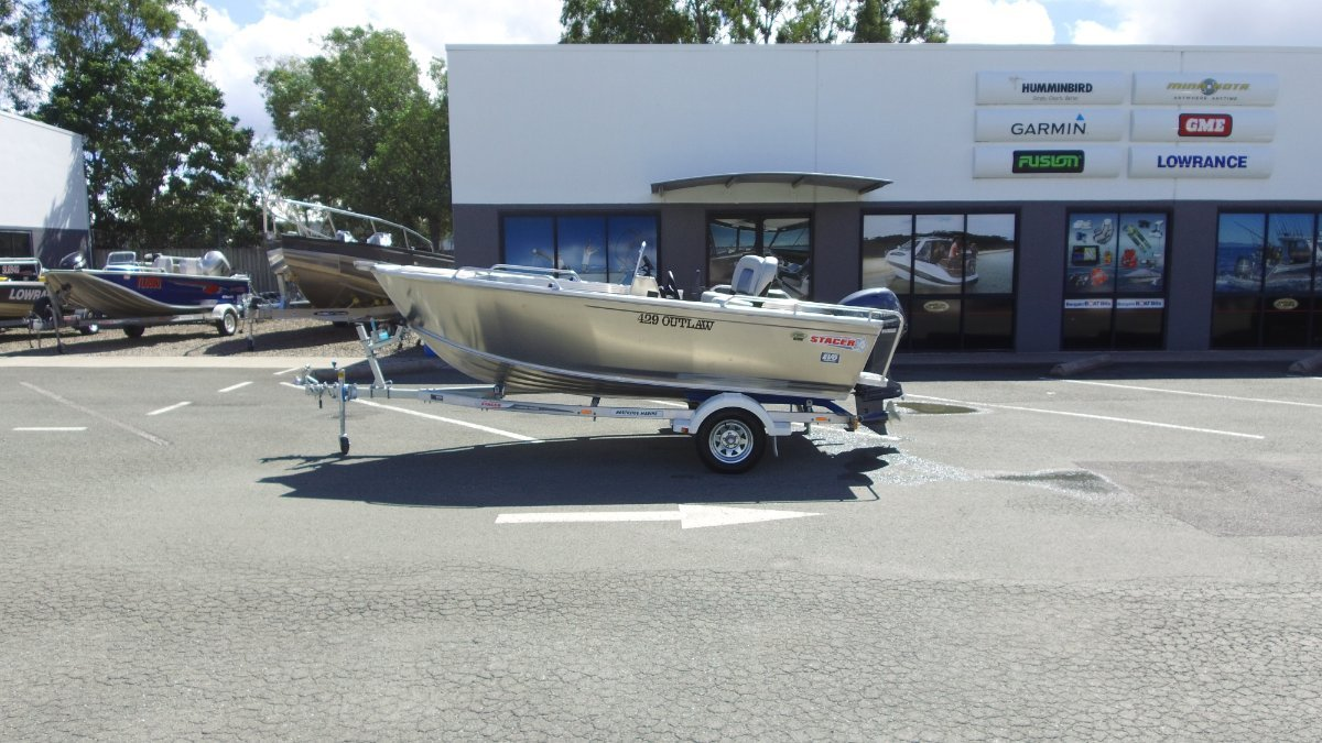 Stacer 429 Outlaw Side Console + Yamaha F40LA 40hp 4-Stroke