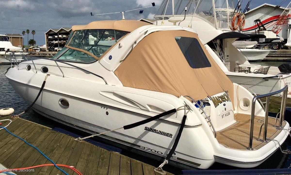 Sunrunner 3700LE:SUnrunner 3700 LE for sale - R Marine Jacksons