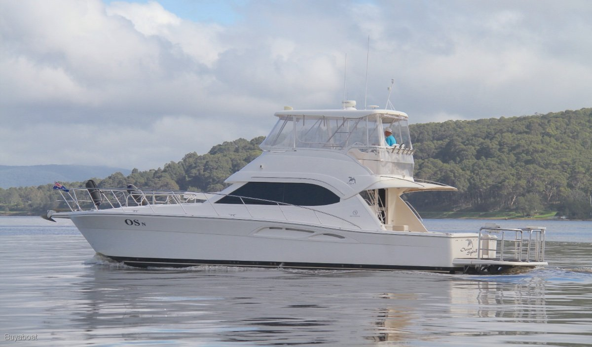 Riviera 47 Flybridge Cruiser