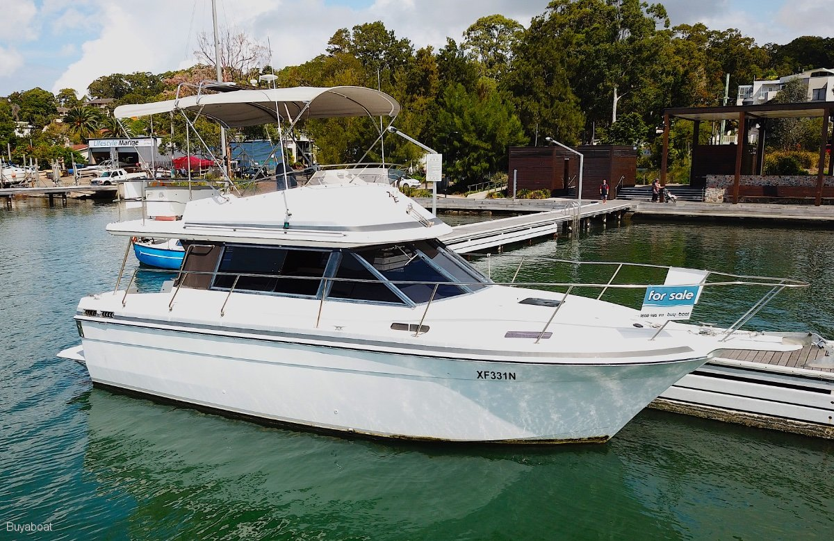 Markline 1000 Flybridge Cruiser