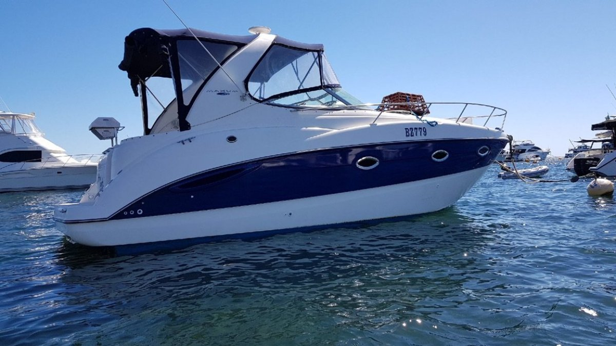 Maxum 3100 SE AND A HALF SHARE AVAILABLE ON THIS GREAT BOAT!!