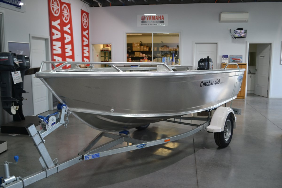 Stessco Catcher 409 LTD Powered with 25HP Yamaha 4 ST on trailer $13900