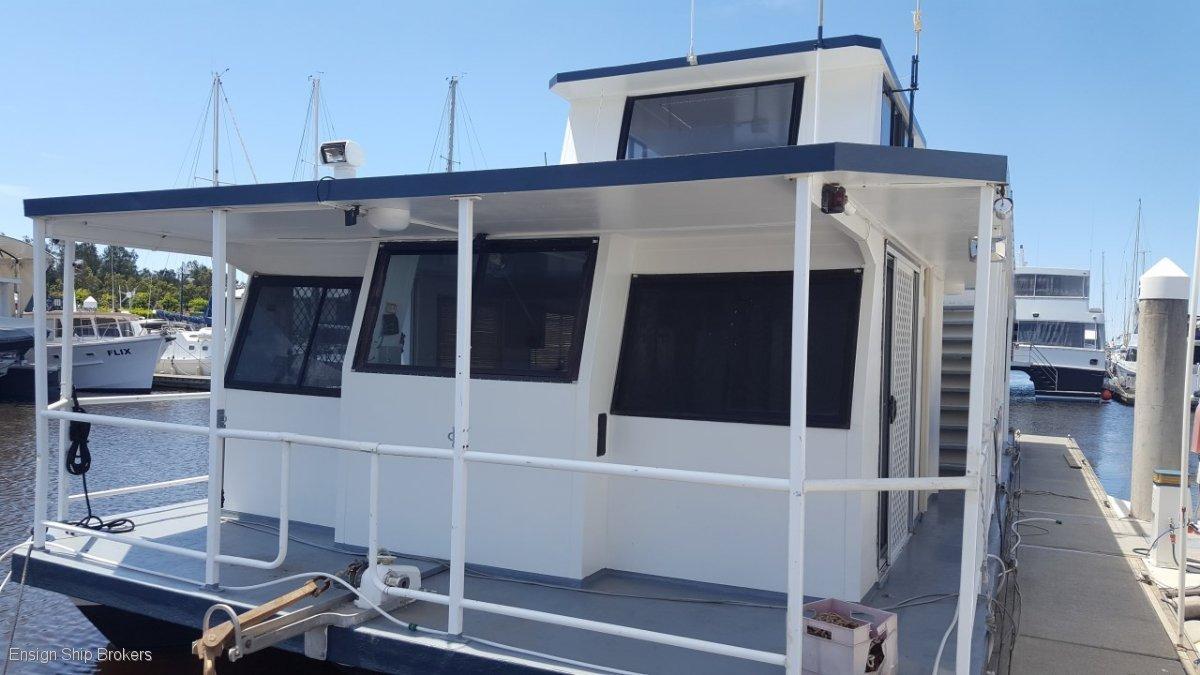MC Marine Houseboat 60'