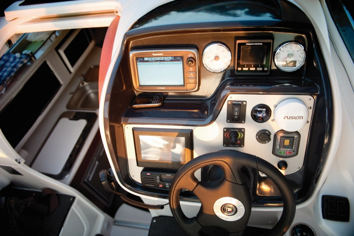 Whittley CR 2800 SD + Volvo 280hp