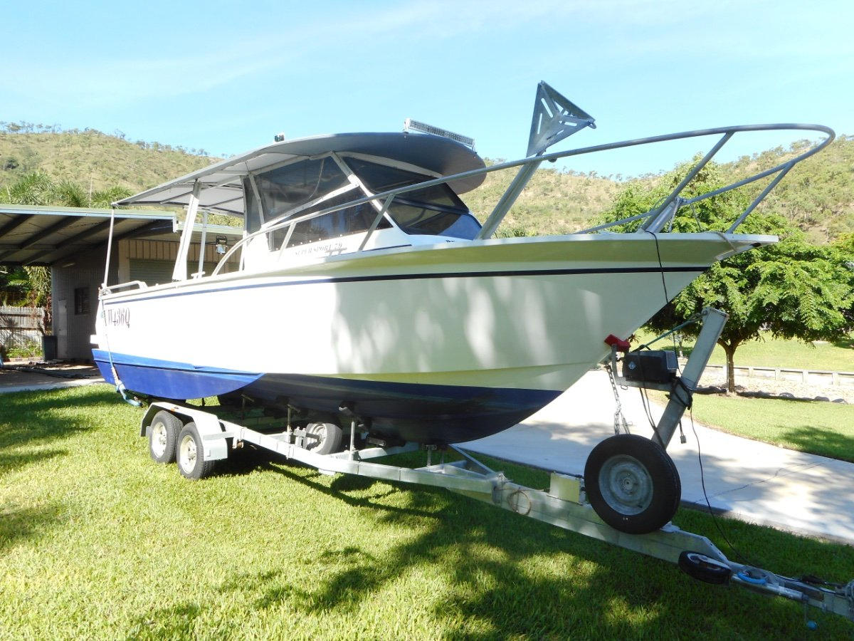 Hydro Marine Reef Runner 8.7m on galvanised trailer