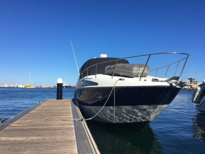 Bayliner 325 Cruiser **Massive volume boat which is rack-able**