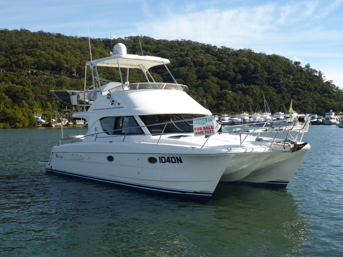 Voyager 1040 Flybridge Catamaran