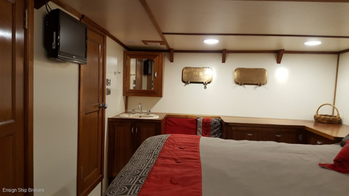 Cruiser 67'