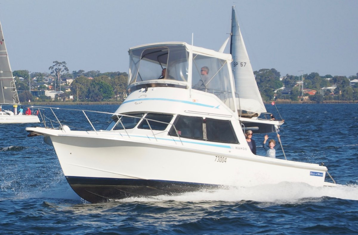 Chivers Flybridge Cruiser 32' WELL PRICED TO SELL !!
