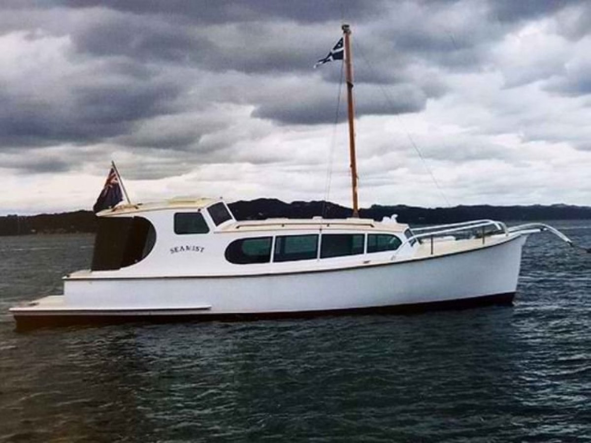 Immaculate 10.4m Classic Launch