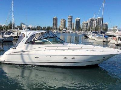 Cruisers Yachts 440