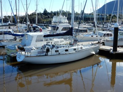 Brolga 33 Baker Built. OWNER HAS ANOTHER BOAT, MUST SELL!!