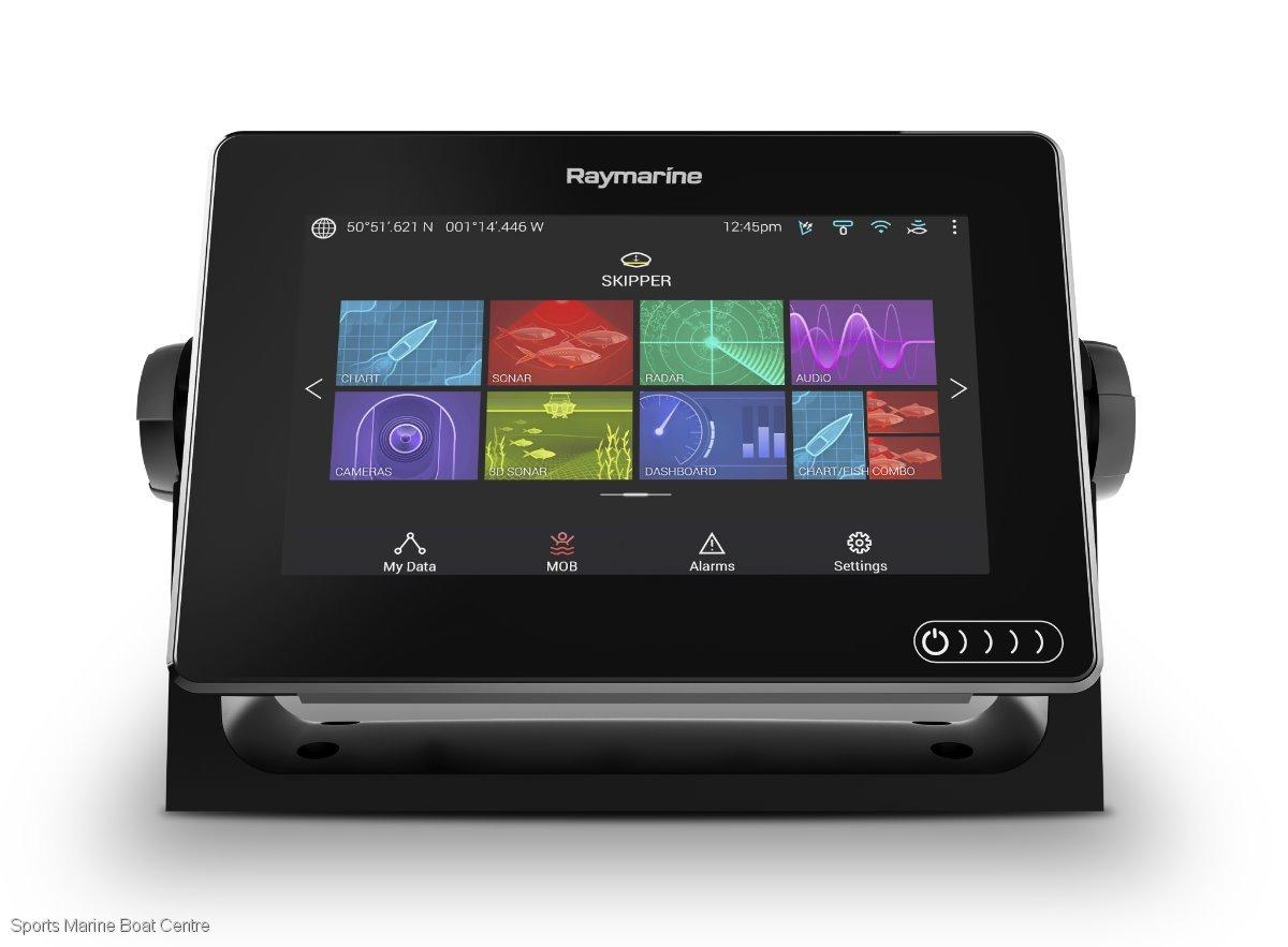 Raymarine AXIOM 7 with RV100 3D transducer and Navionics chart