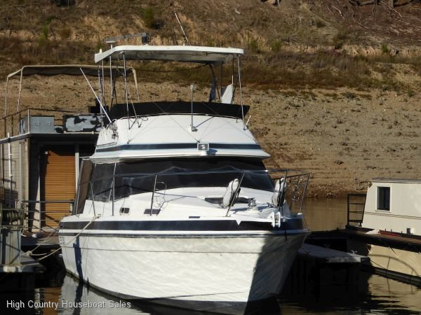 Markline 900 Flybridge:Dreamtime on Lake Eildon