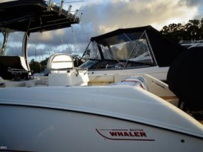 Boston Whaler 270 Outrage Centre Console Twin Rig