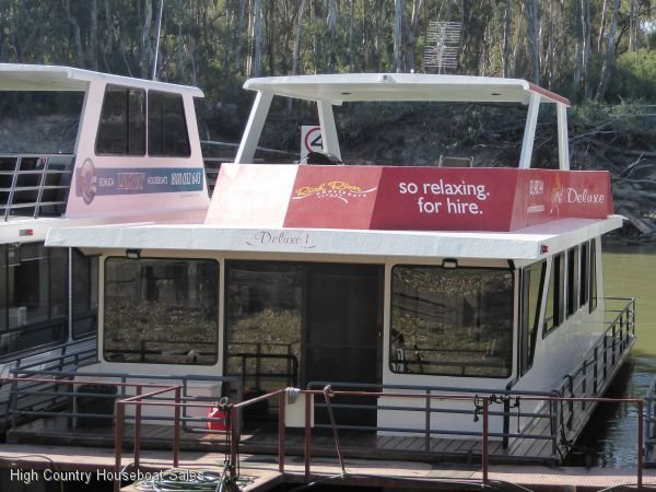 Houseboat Holiday Home on the Murray River @Echuca:RRH Deluxe 1 @ Echuca on Murray River