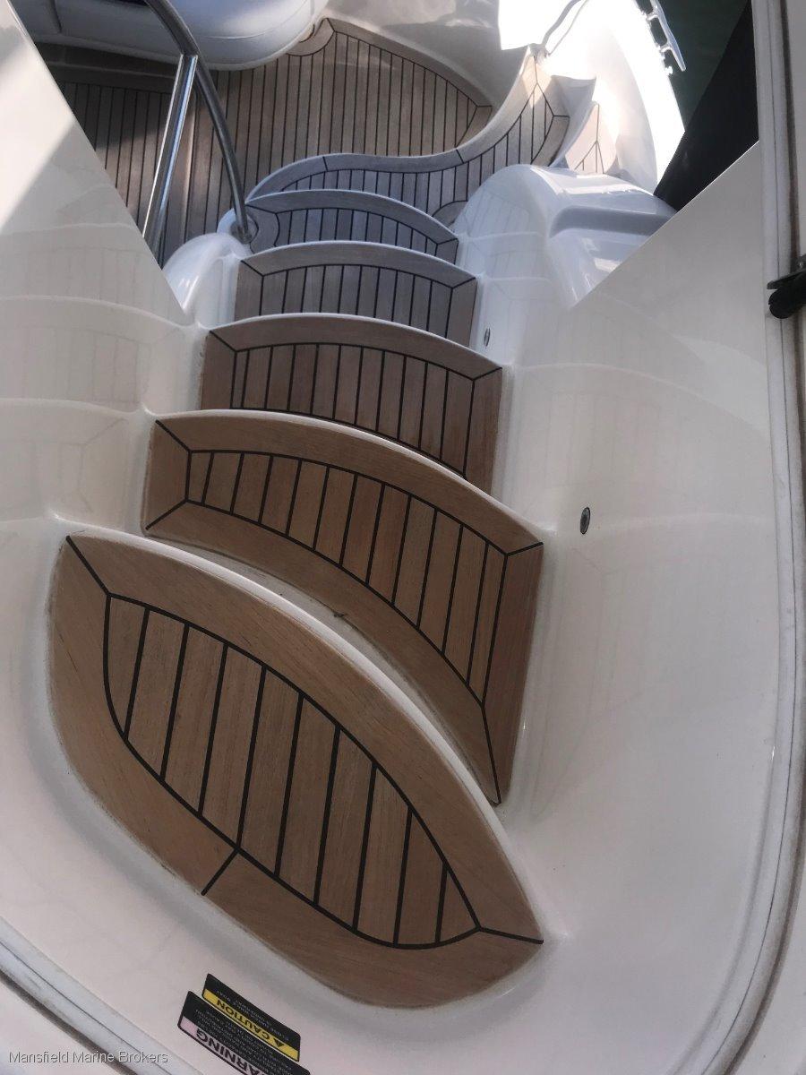 Meridian 341 Sedan Flybridge Cruiser
