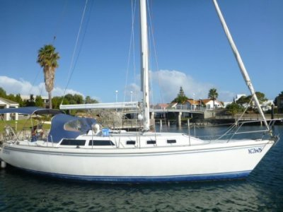 Catalina 34 Mk I Sloop- Click for more info...