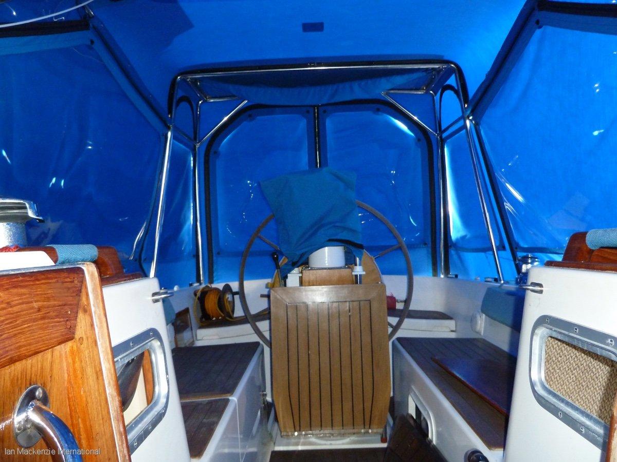 Oyster Heritage 37 aft cockpit