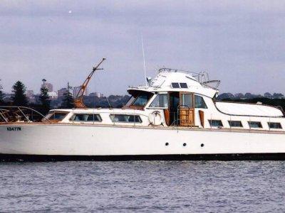 Classic Wooden Gentlemans Flybridge Cruiser