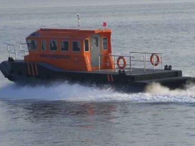 Loyd 13m Crew Boat