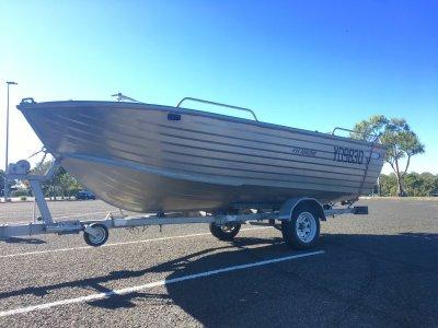 Ally Craft 4.95 Abalone Open fishing boat on trailer 60hp Yamaha