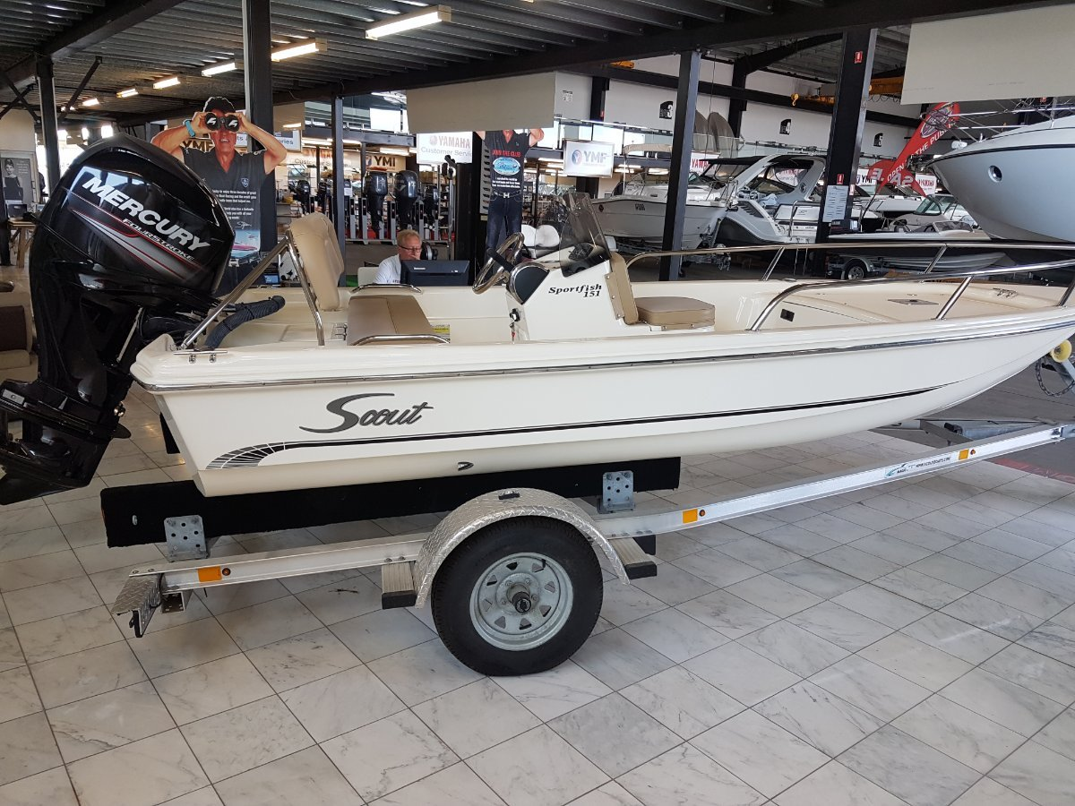 Scout 151 Sportfish This is a very beautiful classy Boat