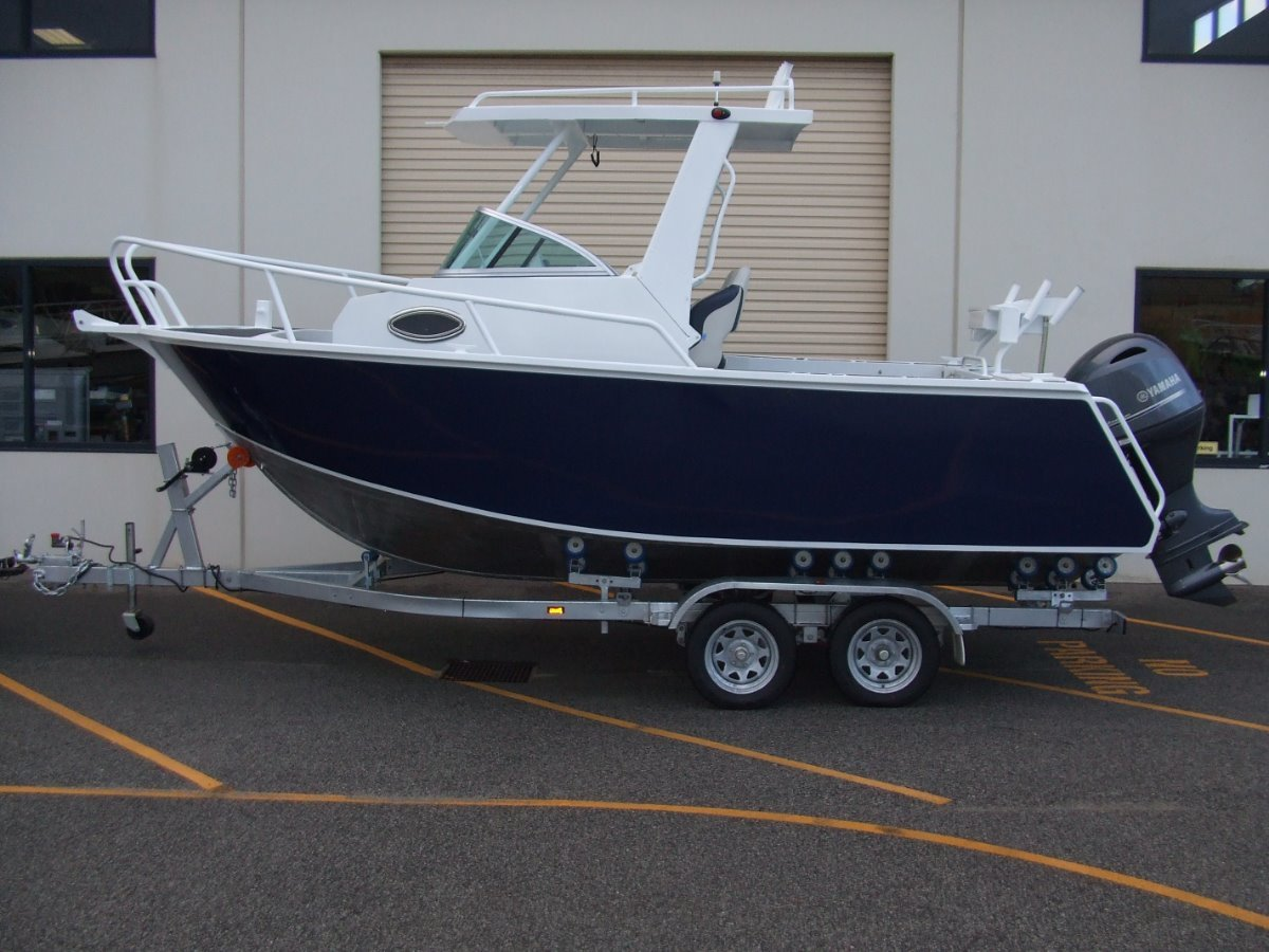 Custom Plate Alloy 580 Centre Cabin