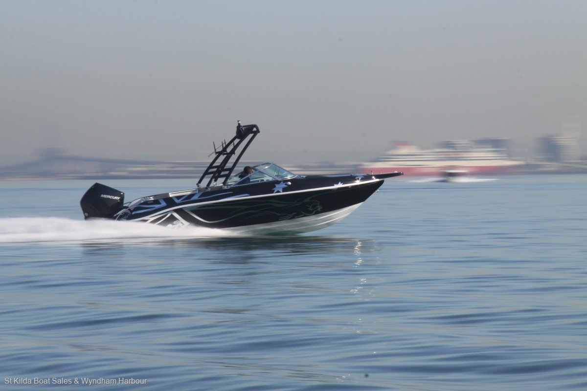 Caribbean Tiara CTX - This boat gets up and moves.