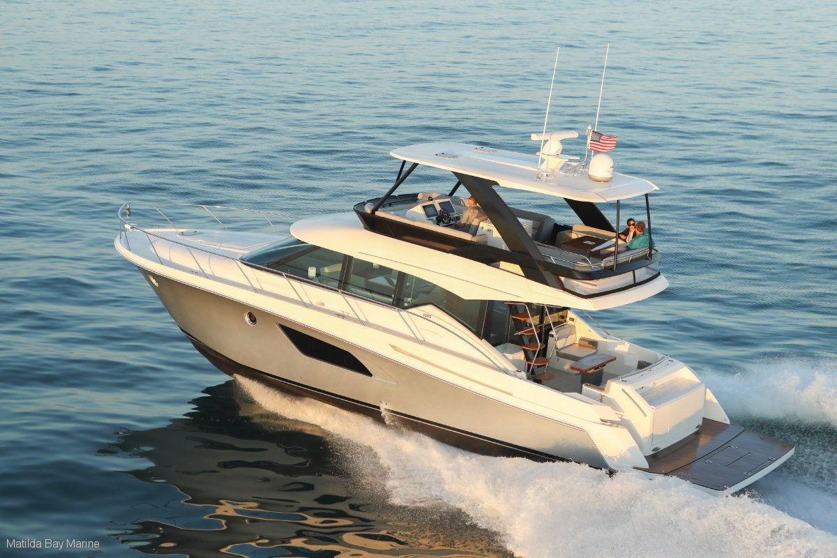 New Tiara 5300 Flybridge