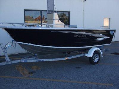 Stessco Fish Hunter 469 New Alloy Centre Console