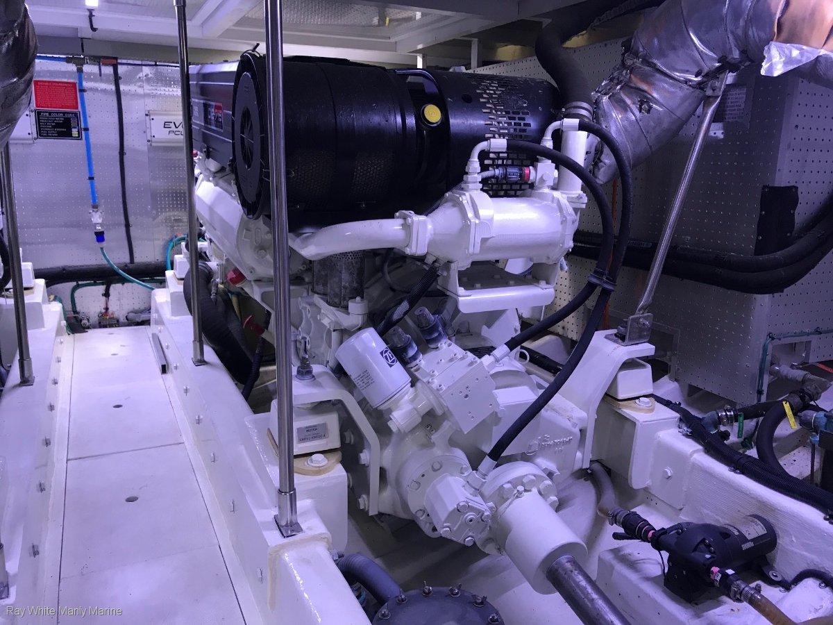 Dyna 55 Flybridge