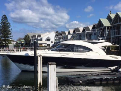 Riviera 4400 Sport Yacht Series 11