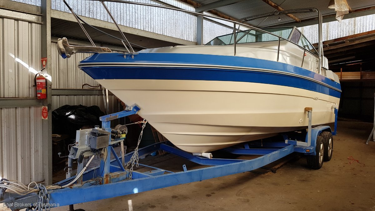 220819 - Sea Ray 230 on registered, braked tandem trailer.